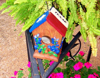 Bird house with a Texas Flag Roof
