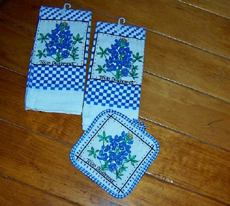 Texas Kitchen Dish Towels & Potholder - Texas Bluebonnets